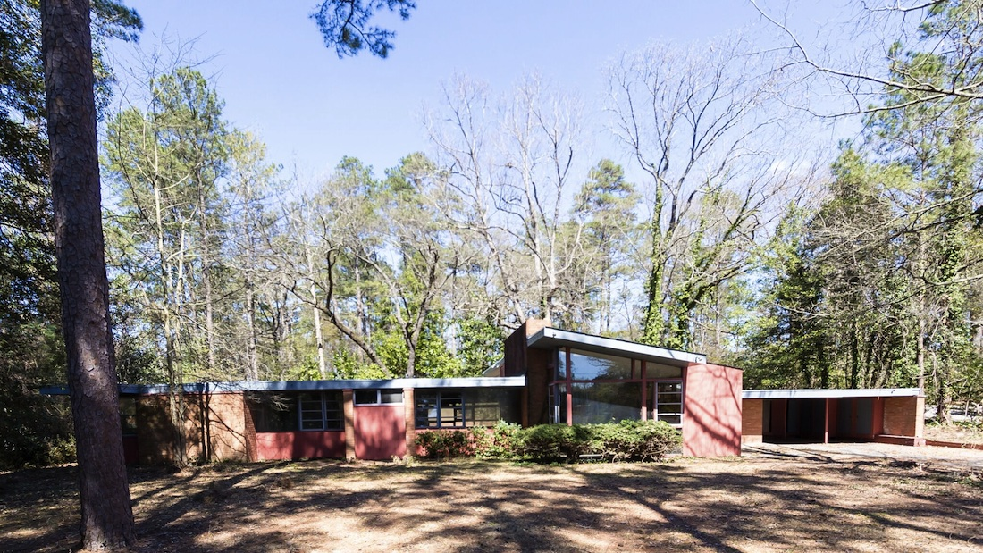 Fayetteville mid-century modern house: Tear-down or auction recovery ...